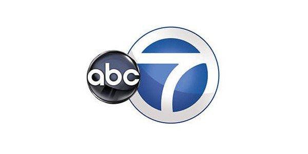 ABC7 visits VNTANA's Innovation Lab!